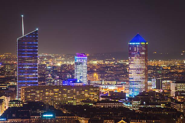Quartier de la Part Dieu à Lyon vue de nuit