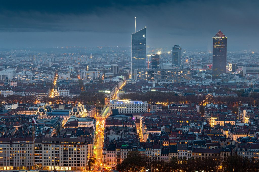 photo de Lyon prise de nuit depuis Fourvière